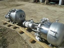 Аппарат с перемешивающим устройством, смеситель, реактор,