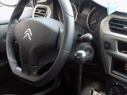 Automobiļa manuāla vadība invalīdiem. \ T
