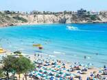 Отель на Кипре в Пафосе - фото 1