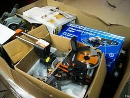 Паллеты с электроинструментом и аксессуарами