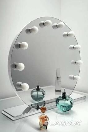 Зеркало круглое с подсветкой на подставке d700